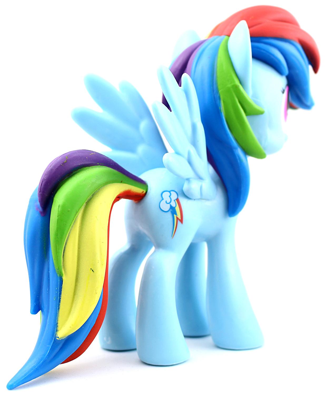 Funko vinyl Rainbow Dash oikea takaviisto
